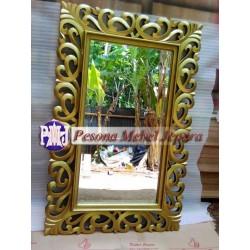 Frame, Bingkai, Pigura Cermin Ukir Motif Akar Hati Warna Gold 120 Cm
