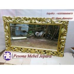 Bingkai, Frame, Pigura Cermin Ukir Waru Warna Gold Ukuran 120 cm