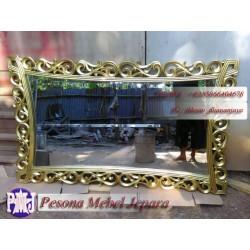 Mirror atau Frame atau Bingkai atau Pigura Cermin Ukir Diamond Gold 150 cm Kayu Jati.