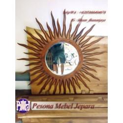 Bingkai atau Pigura Cermin Matahari Kayu Jati