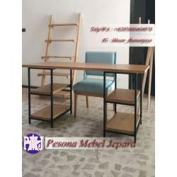 Meja Kerja Meja Kantor Meja Belajar Model Industrialis kombinasi kayu dan besi Pesona Mebel Jepara