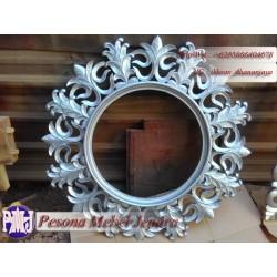 Bingkai atau Frame atau Pigura Cermin Ukir Motif Kuncup Kembang Pesona Mebel Jepara